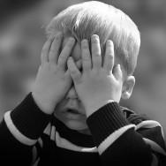 Enfant qui fait pipi au lit : occupez-vous de lui